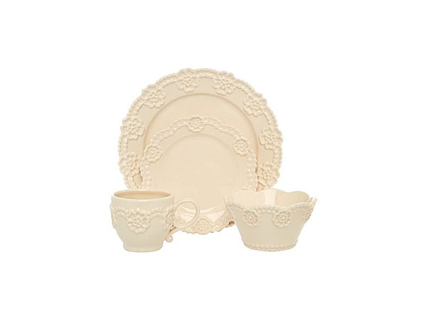 Shabby chic lace dinnerware