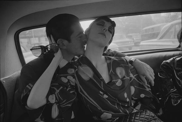 Irving Blum and Peggy Moffitt © Dennis Hopper, courtesy The Hopper Art Trust. www.dennishopper.com