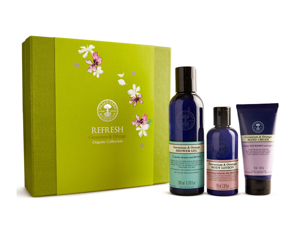 refresh-geranium-and-orange-gift-set-from-neals-yard-remedies