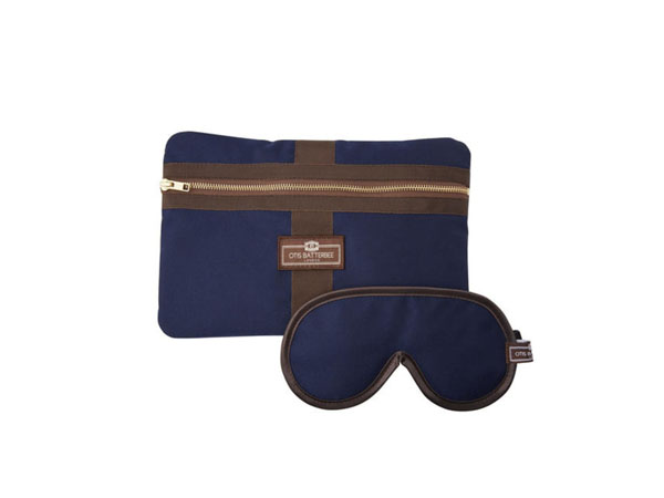 Travel pick Blue herringbone travel gift set from Otis Batterbee